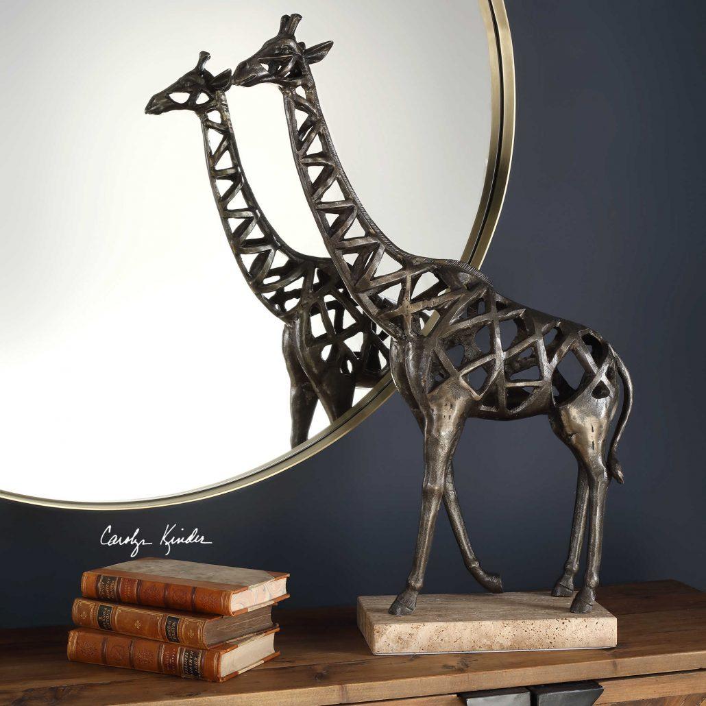 Tajiri Giraffe Sculpture