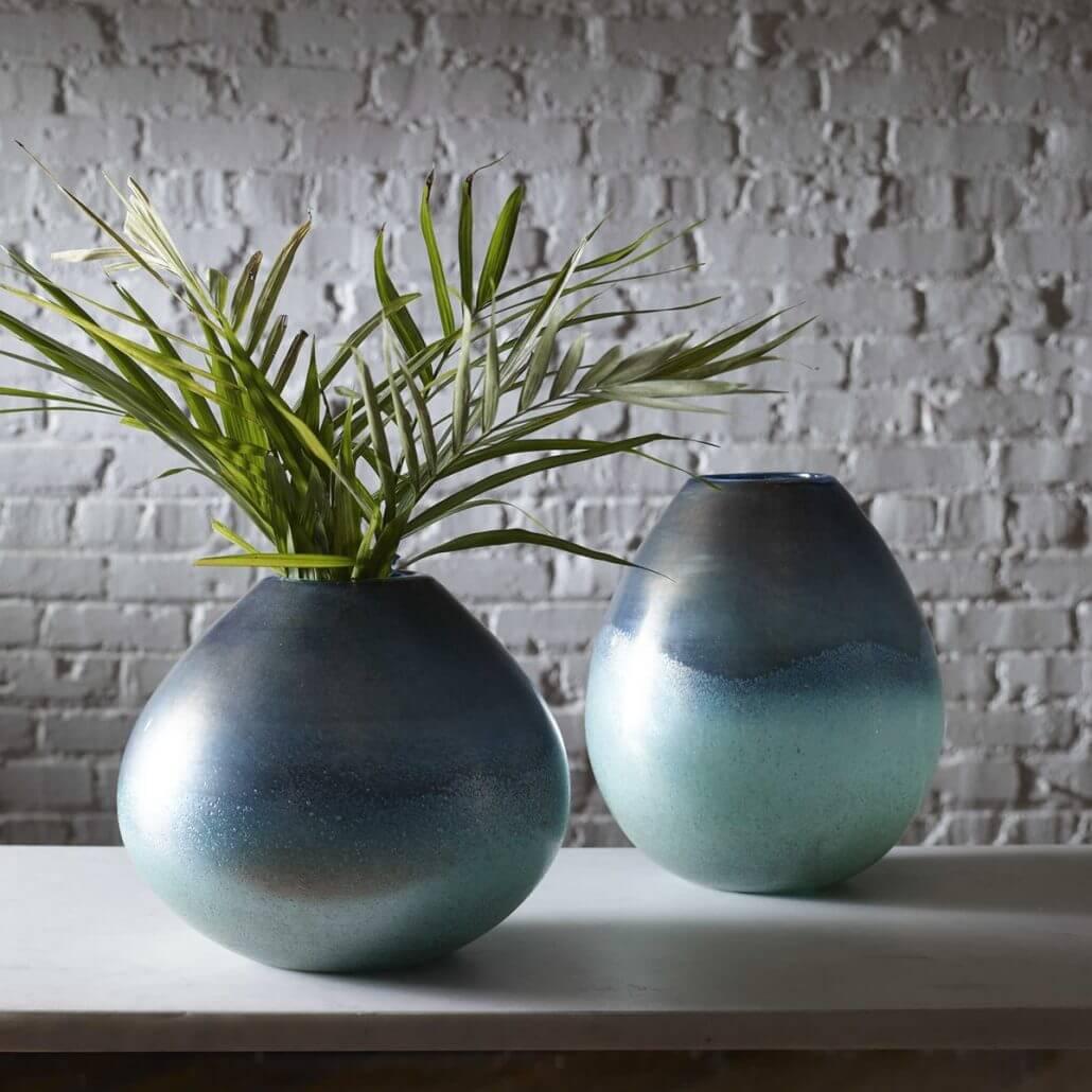Rian Vases